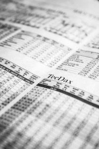 Wie analysiere ich eine Aktie vor dem Kauf?