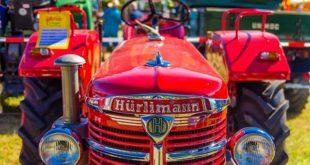 Traktoren als Hobby begeistern Jung und Alt